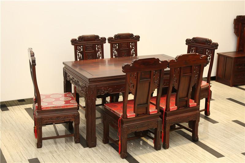 常州红木家具厂家定制的餐桌